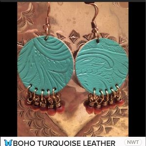 TURQUOISE TOOLED LEATHER WITH WOODEN BEADS